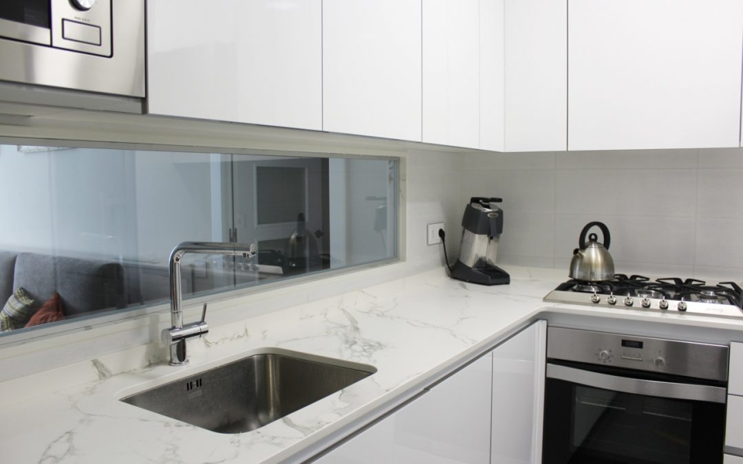 Silestone vs granito la decisi n del material para la for Mejor material para encimeras de cocina